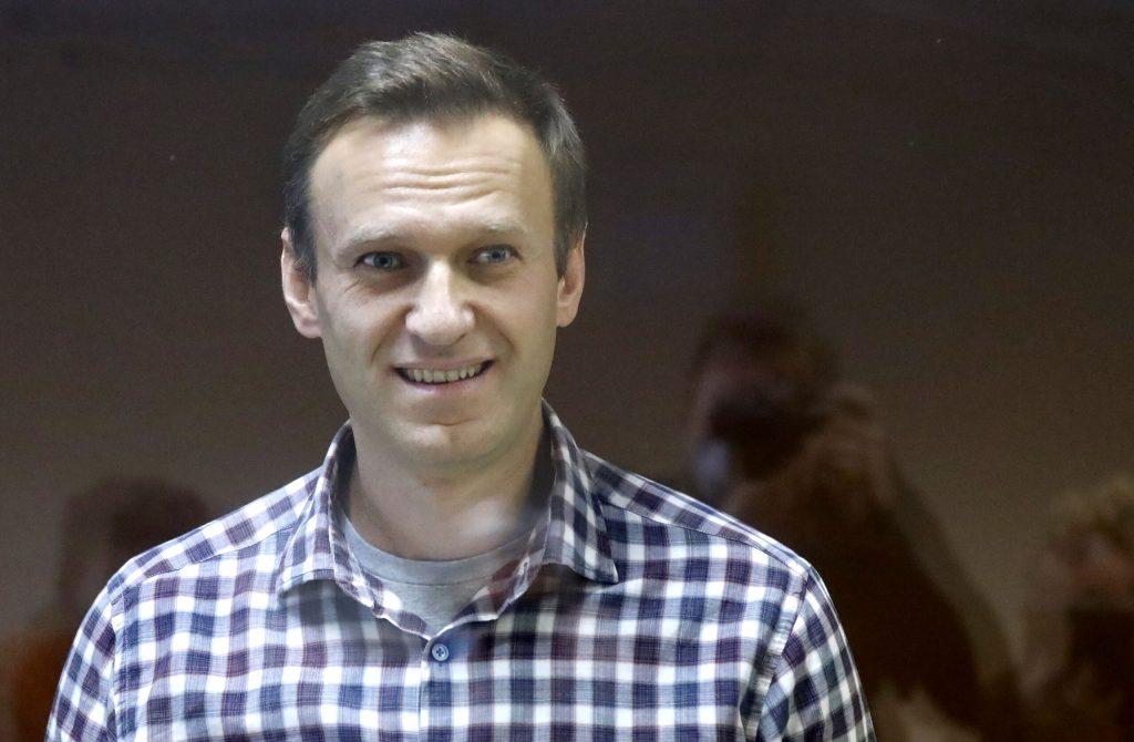 Navalny cautions: near renal failure
