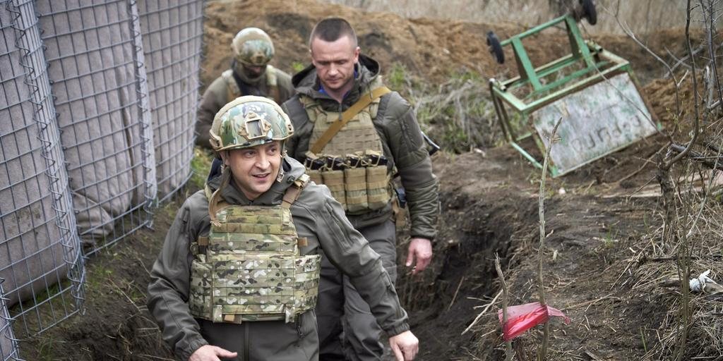 Ukrainian President Volodymyr Zhelensky arrives ahead.  During the increased fighting and Russian recharge, he sought the support of the security alliance NATO.