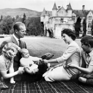 Picture of the British Royal Family taken on 9.9.1960