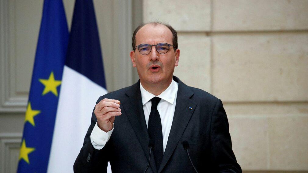 Prime Minister Jean Castex condemns the military debate article.