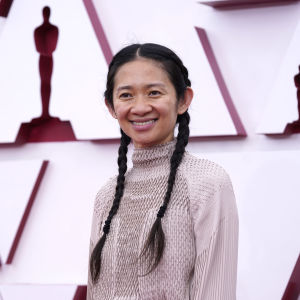 Director Chloe Chow on the red carpet during the 2021 Academy Awards.