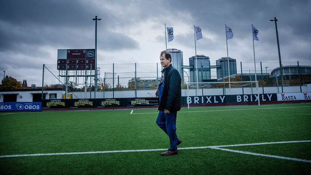 Peter Bronsmann is not afraid of competition and hopes IFK Gothenburg is serious about his female investments.