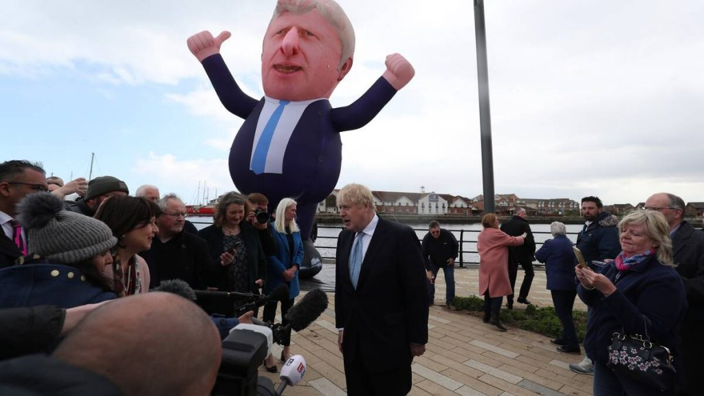 Boris Johnson is strong in the British elections