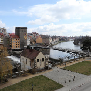 A foot bridge across the Nice River connects Corlitz with Poland