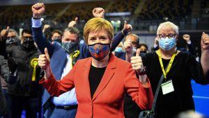 Nicola Sturgeon crosses her fingers.