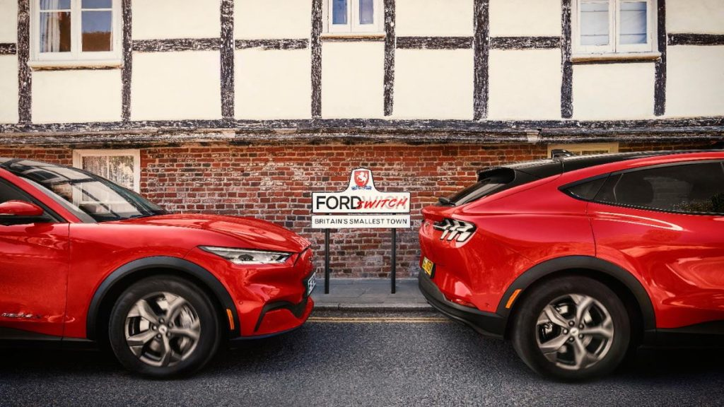 Electric car works in the country: Ford changes the name of a village and helps everyone to test the Mustang Mac-E