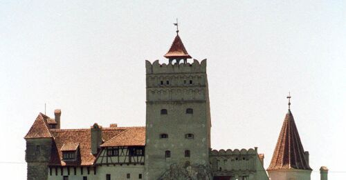 Tourists are vaccinated - in Dracula's castle