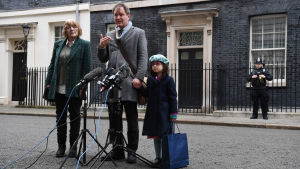 Journalist Nasan's Jagary-Radcliffe husband Richard Radcliffe and daughter Gabriella and mother-in-law Barbara speak to reporters after meeting with Prime Minister Boris Johnson 23.1.2020
