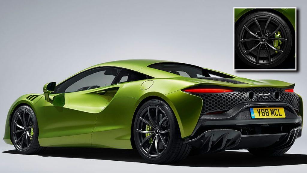 Pirelli sätter sitt cyberdäck på superbilen från McLaren