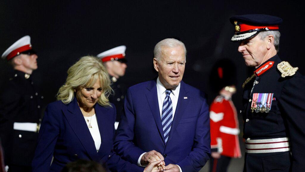 Biden lands in the UK demanding stability in Northern Ireland