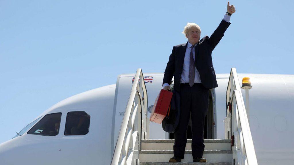 """Johnson kallas """"plane stupid"""" – flög 40 mil till klimatmöte"""