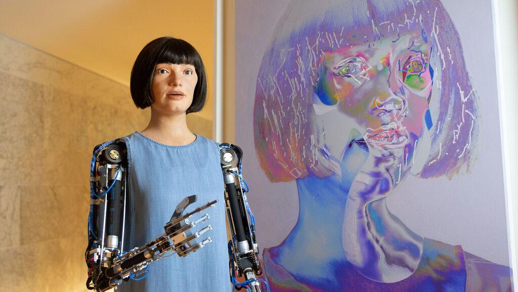 "Saga Cavallin om Kate Crawfords ""The Atlas of AI"""