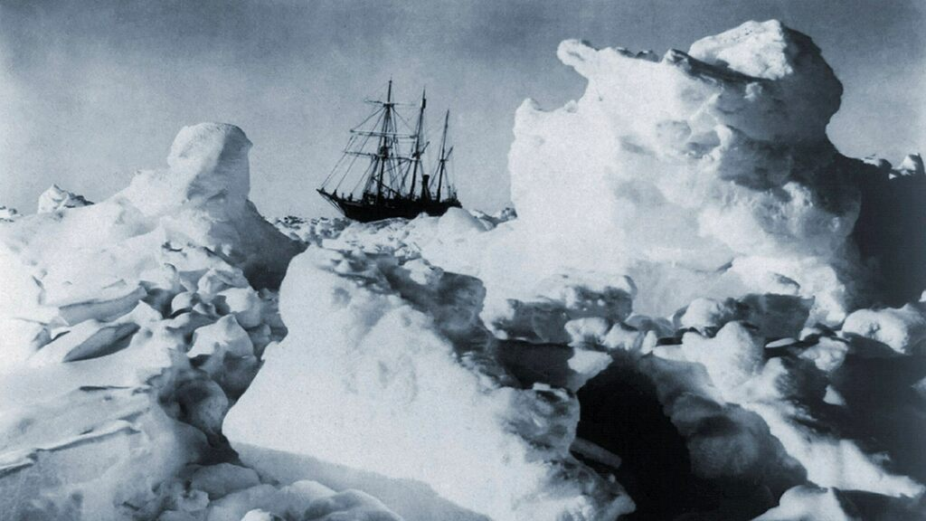 A new expedition will find a polar researcher ship at the bottom of Antarctica