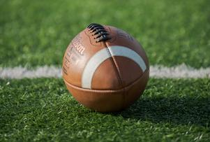 American football, like other sports in Sweden, suffered from a low frequency of training and lost interest among the players.