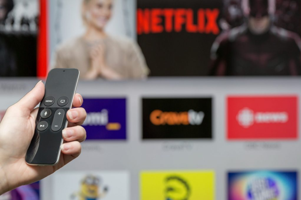 Netflix starts streaming games Netflix expands with game streaming