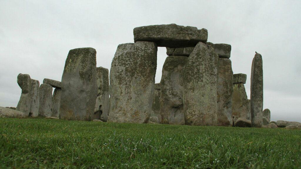 Stonehenge may lose its World Heritage status