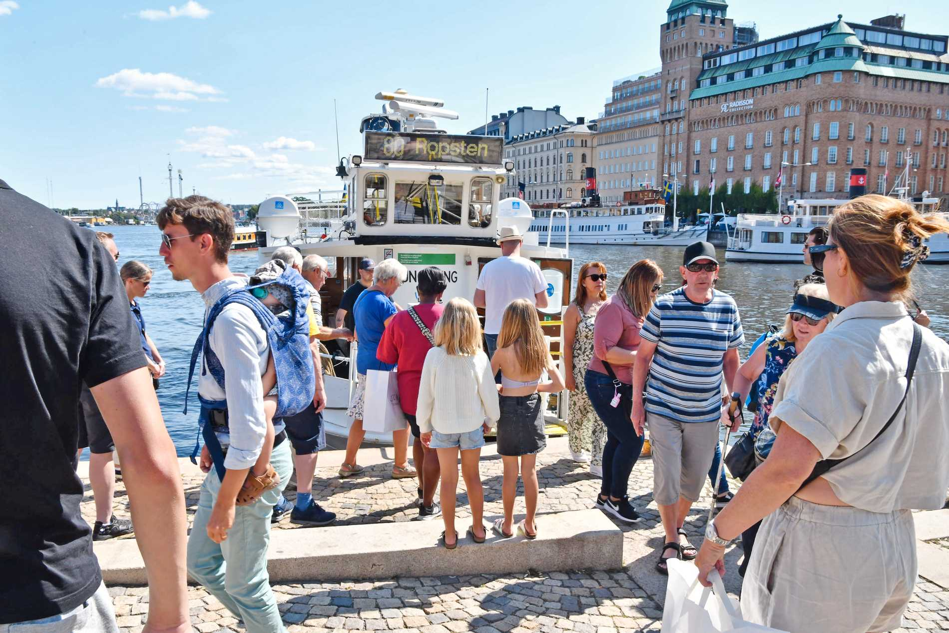 Many county boards warn of increased congestion and decreased willingness to comply with the restrictions.  The photo was taken in Stockholm.