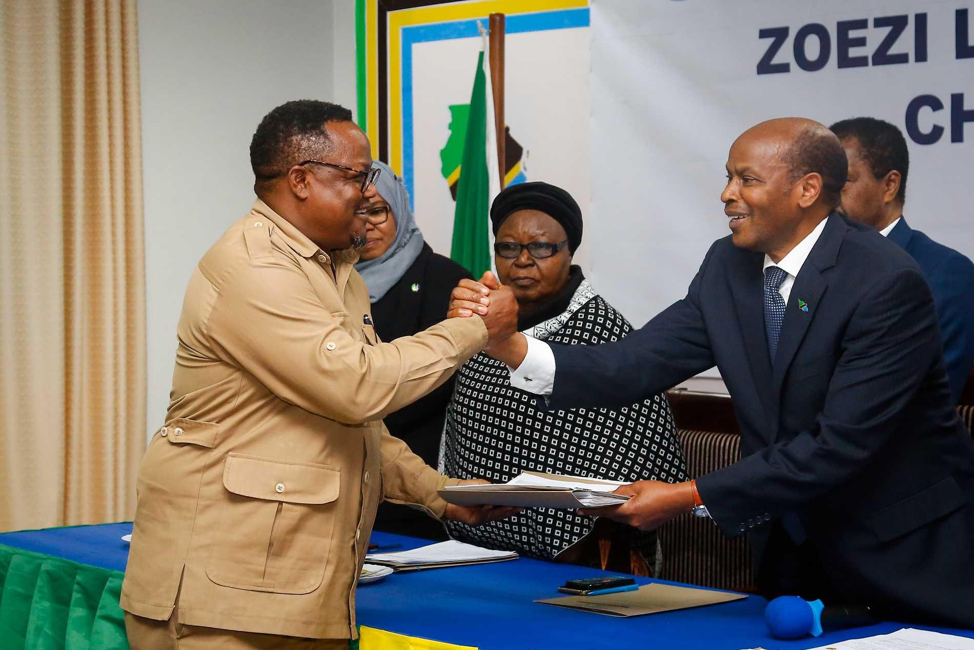 Chadima leader Tendo Lisu, pictured left, before the elections in Tanzania 2020.