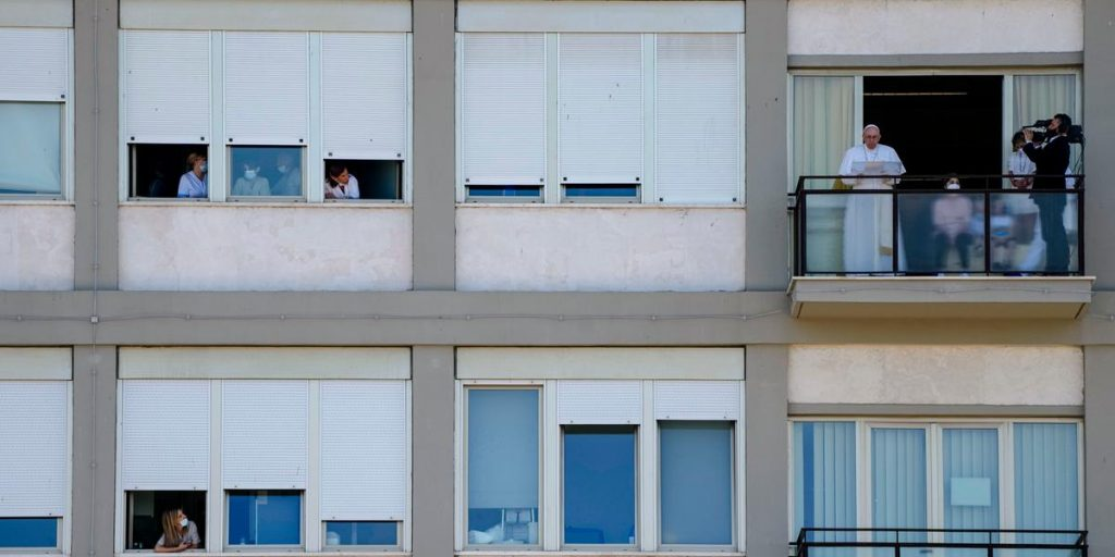 The Pope's return - he led the prayer from the hospital balcony
