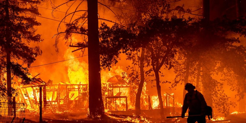 Thousands fight wildfires in California