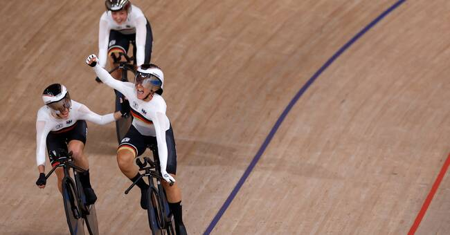 The German women in team racing set three world records - in three races