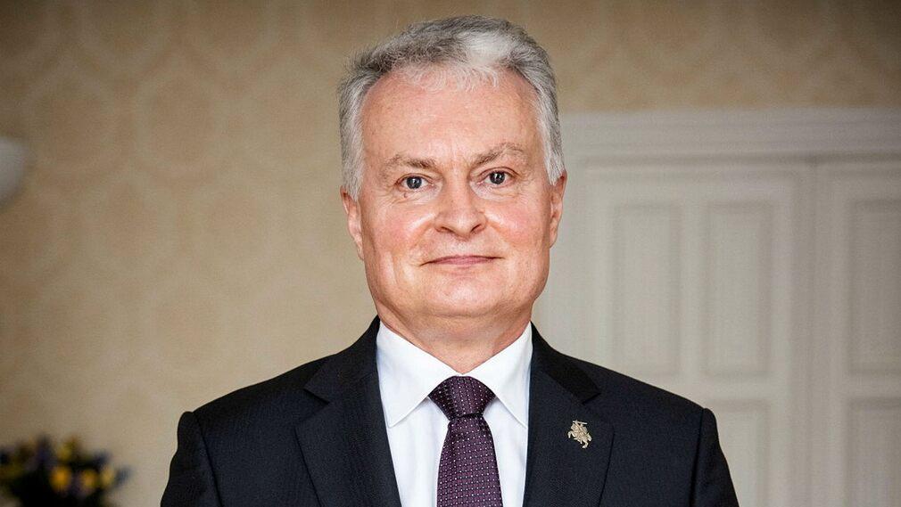 Lithuanian President Gitanas Nosida.