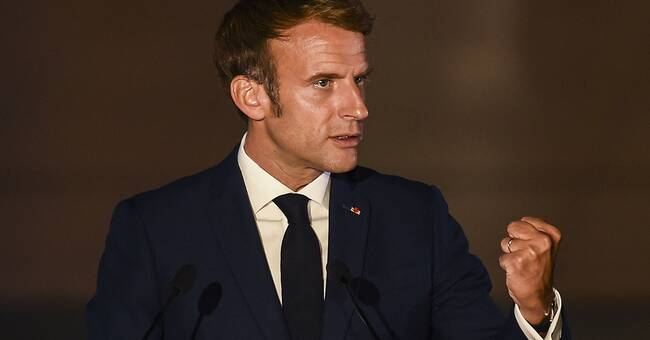 France invites ambassadors from the United States and Australia