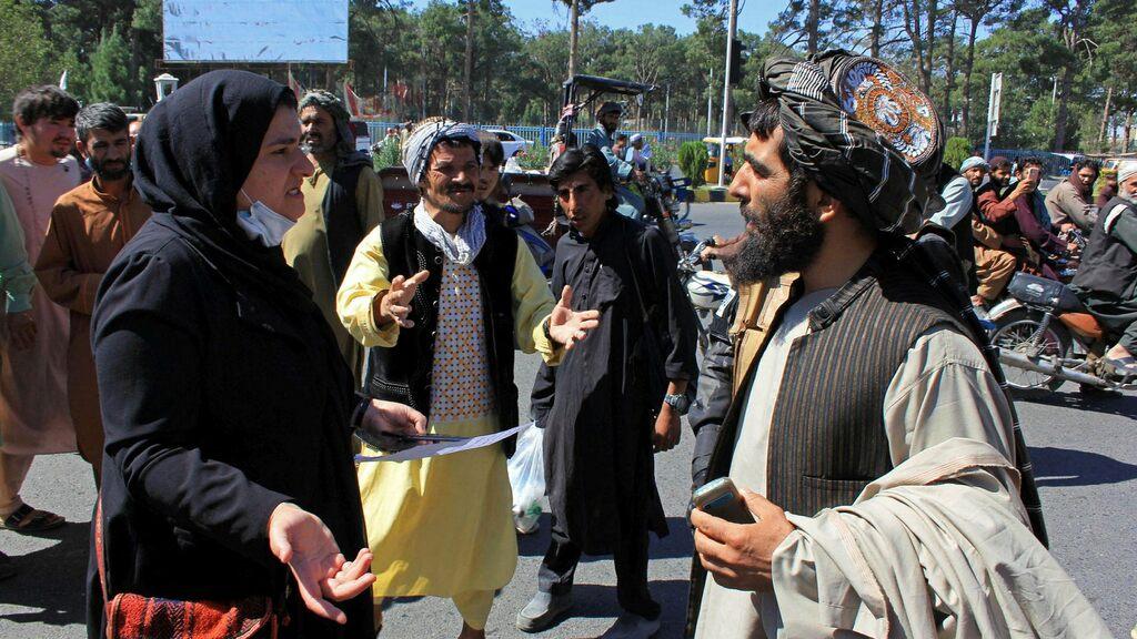 Afghan women demonstrate against Taliban rule