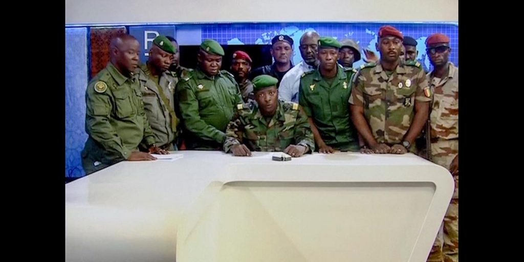 The army gathers ministers after a coup